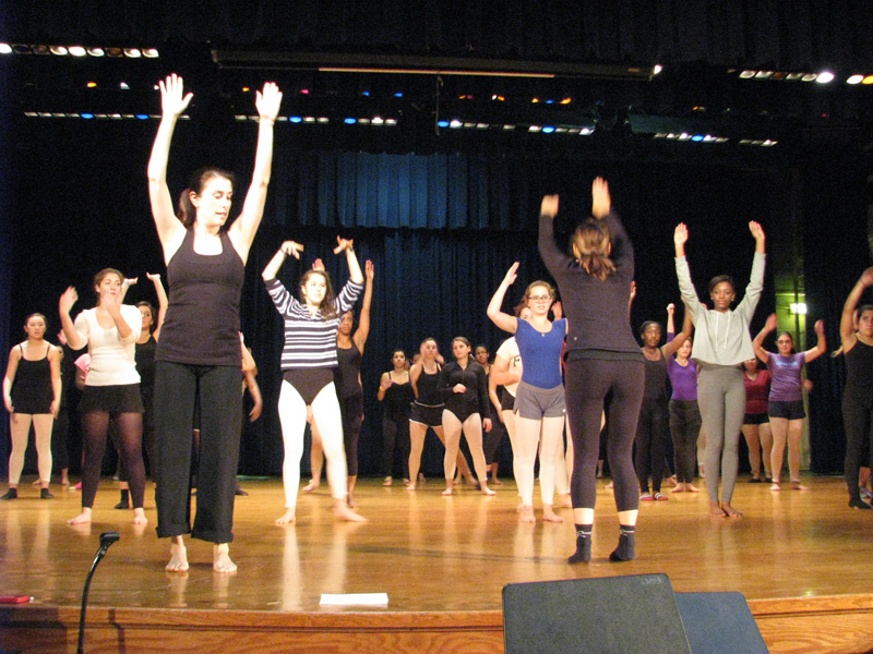IB Dance Students Learn from the Pros